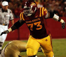 Reggie Stephens and the Cyclone Offensive Line